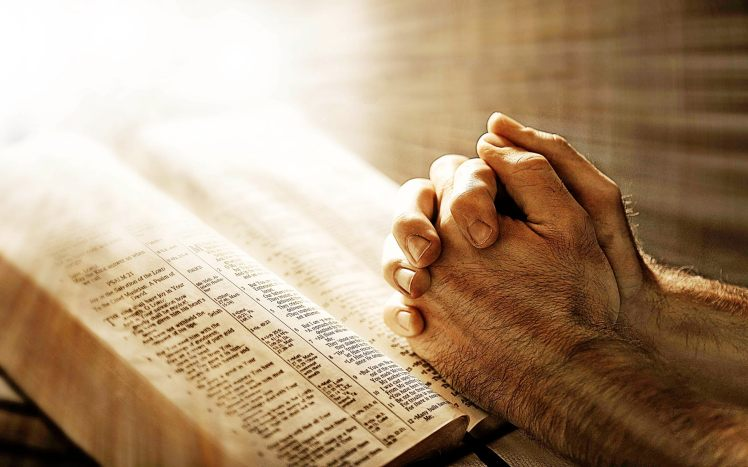 christians-in-pakistan-prayers